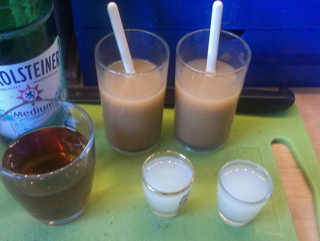 Heilerde und Knoblauchtrunk