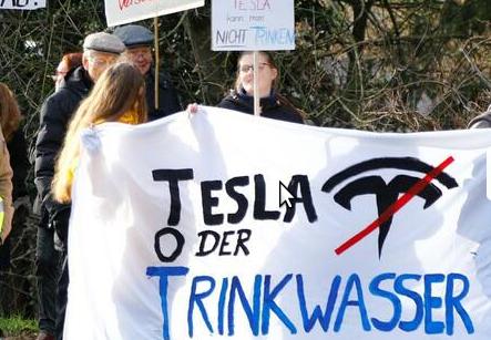 Protest und Demonstration Grünheide Tesla oder Trinkwasser